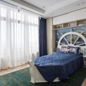 Кровать в виде лодки для мальчика школьного возраста