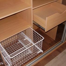 Фото наполнения купейного шкафа в прихожей