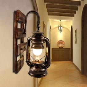 Винтажный светильник с креплением на стене
