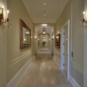 Декорирование коридора в классическом стиле