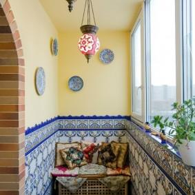 Отделка керамической плиткой лоджии в квартире