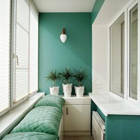Контрастная отделка интерьера балкона