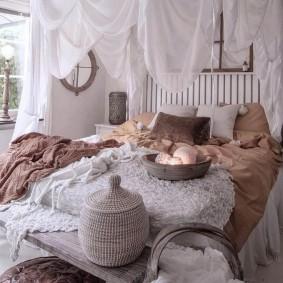 Декорирование спальни в деревенском стиле