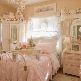 Роскошная спальня в стиле шебби-шик