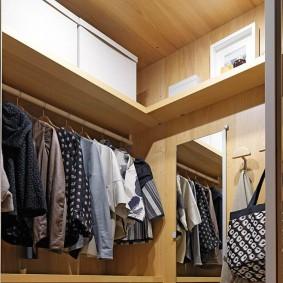 Наполнение полок в угловой гардеробной