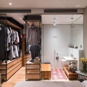 Маленькая спальня с гардеробом и туалетом
