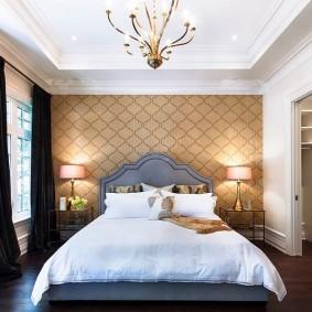 Освещение спальни с черными шторами