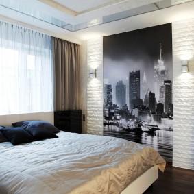 Фотообои на стене спальной комнаты