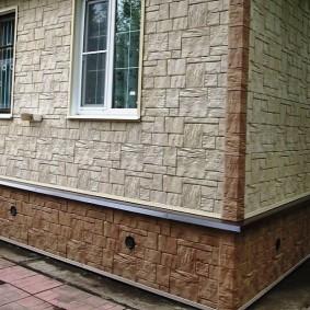 Отделка цоколя дома виниловыми панелями