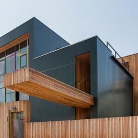 Современный дизайн жилого дома с фасадными панелями