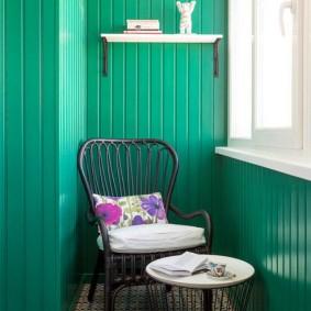 Окраска вагонки на балконе в зеленый цвет
