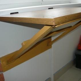 Деревянные стойки для откидного столика