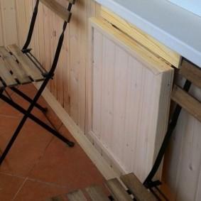 Самодельный откидной столик в сложенном состоянии