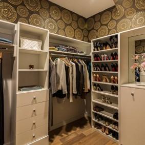 Модульная мебель в гардеробную комнату