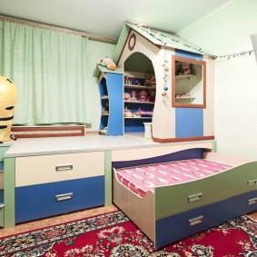 Выдвижные кровати в интерьере детской спальни