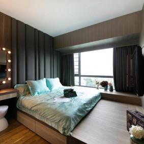 Подиум с кроватью в комнате девочки подростка