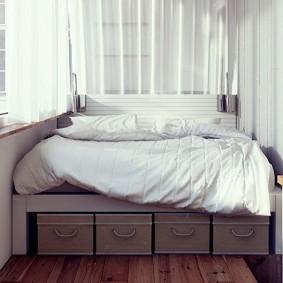 Кровать-подиум на утепленной лоджии