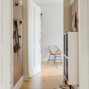 Компактная мебель в интерьере прихожей