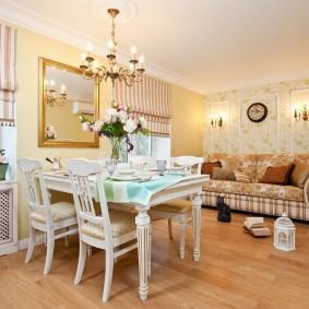 Освещение гостиной комнаты в стиле прованса