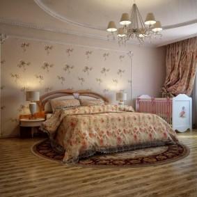 Круглый ковер в спальне большой площади