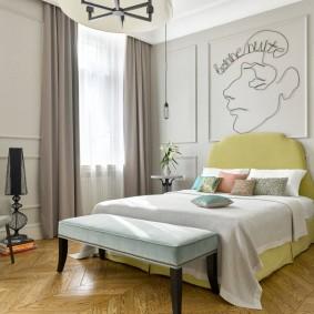 Роспись стен в интерьере спальной комнаты