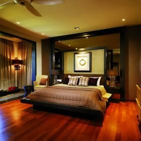 Уютная атмосфера в спальне городской квартиры