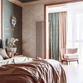 Дверной проем между спальной комнатой и лоджией