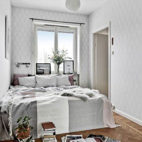 Светлая отделка стен в спальне скандинавского стиля