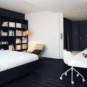 Белый стол в спальне с черным ламинатом