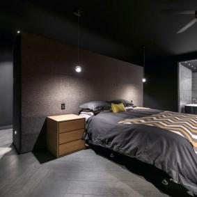 Черный потолок в спальне современного стиля