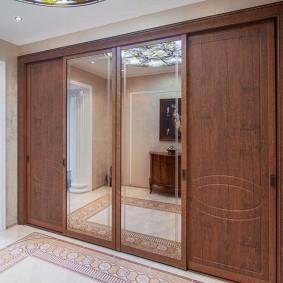 Встроенный шкаф с фасадами из МДФ