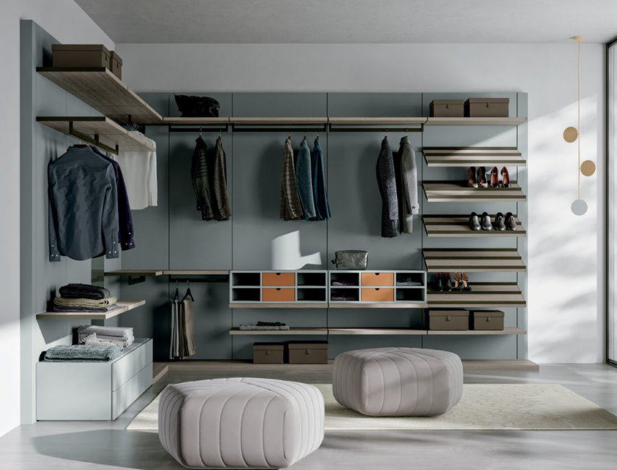 Меблировка гардеробной комнаты в стиле буазери
