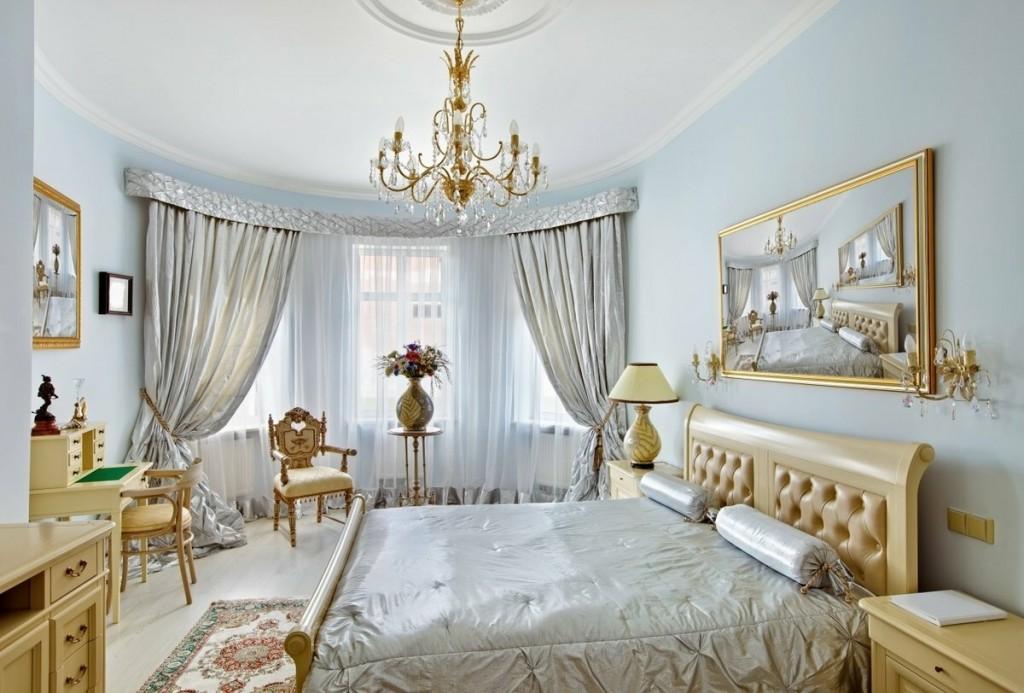 Декорирование картинами классической спальни