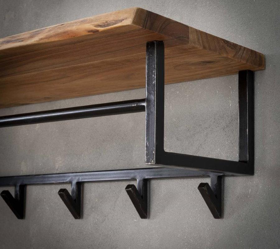 Деревянная полочка на металлической вешалке