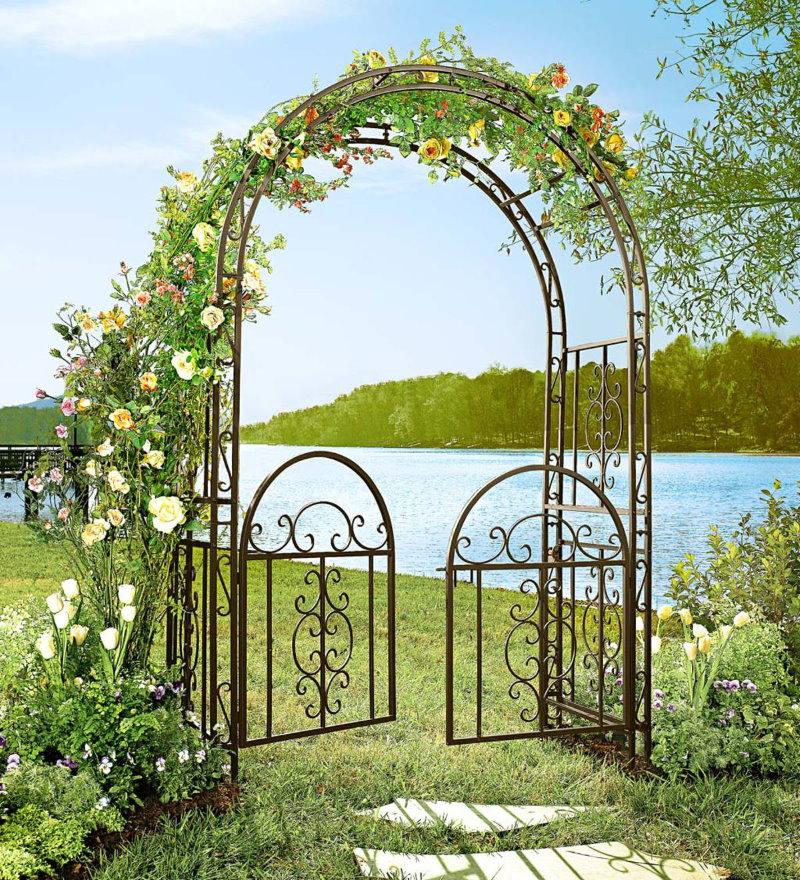 Садовая арка из кованного металла