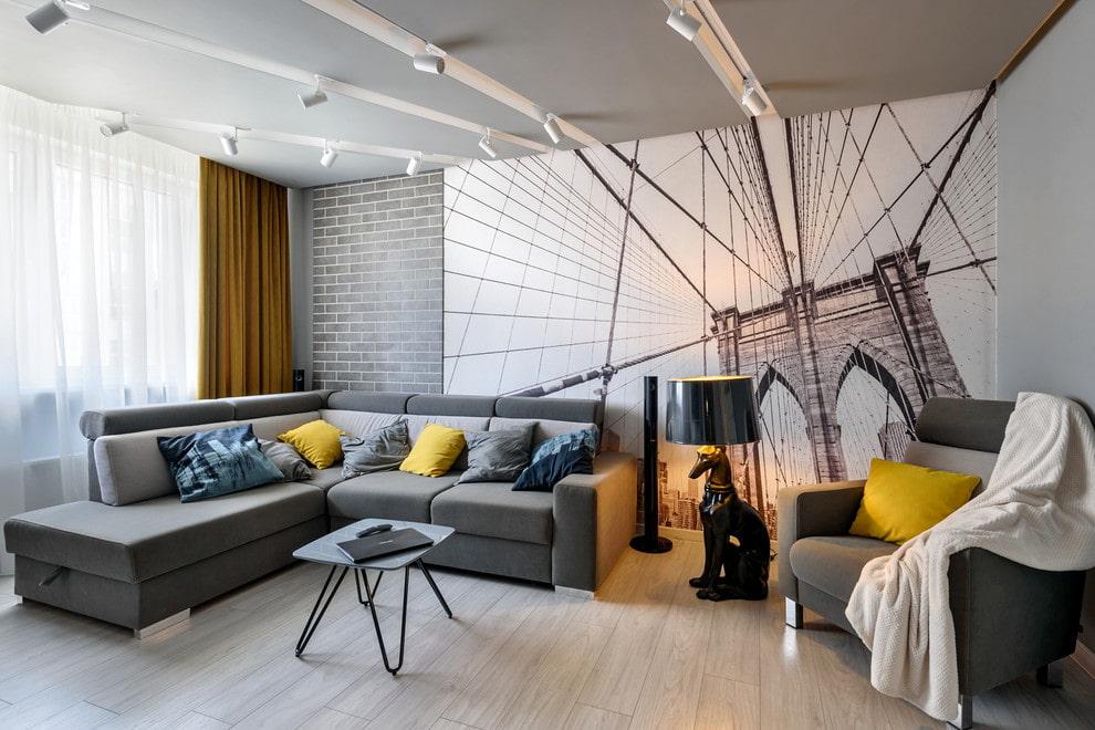 Стильные фотообои в гостиной комнате с серой мебелью