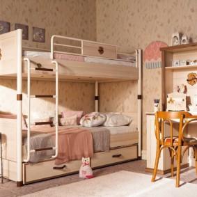 Двухъярусная кровать в стиле прованса для девочек