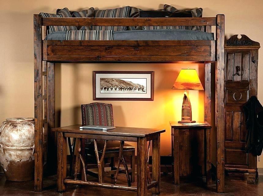 Кровать-чердак из натурального дерева для школьника