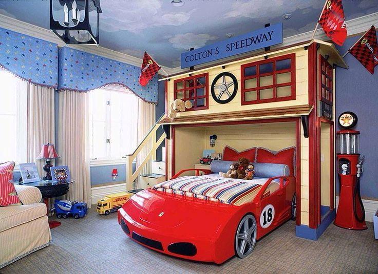 Стационарная двухъярусная кровать с игровой зоной