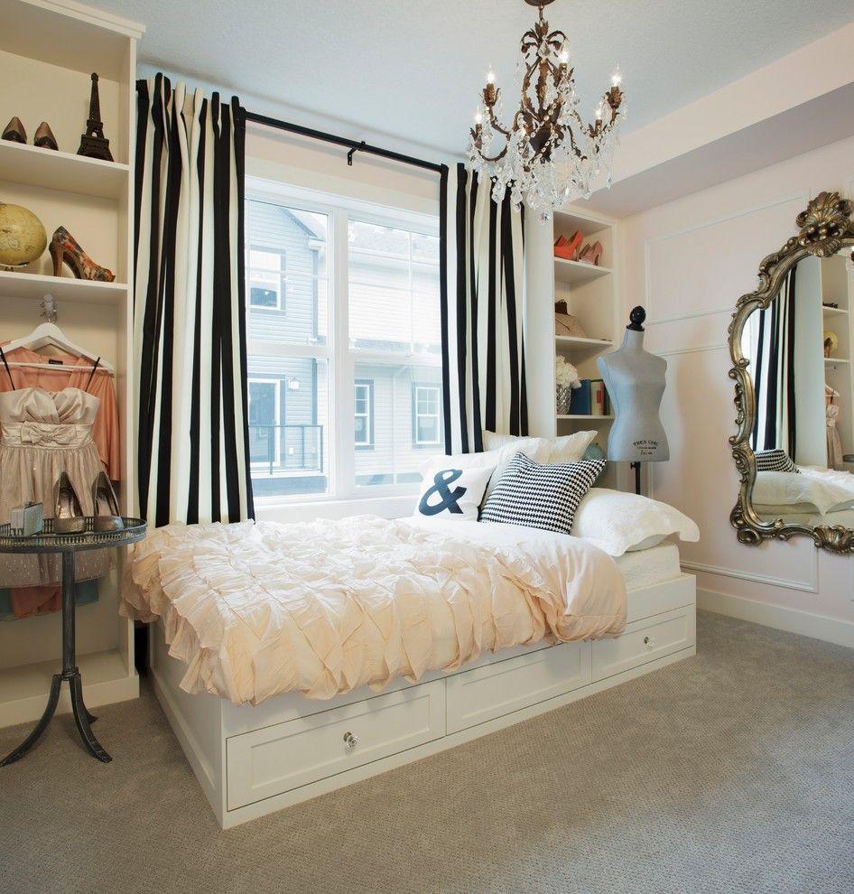 Кровать-подиум в интерьере спальной комнаты стиля арт-деко