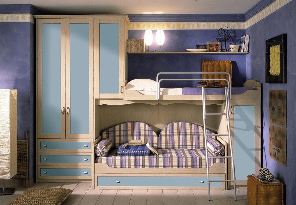 Детская кровать с диваном на нижнем ярусе