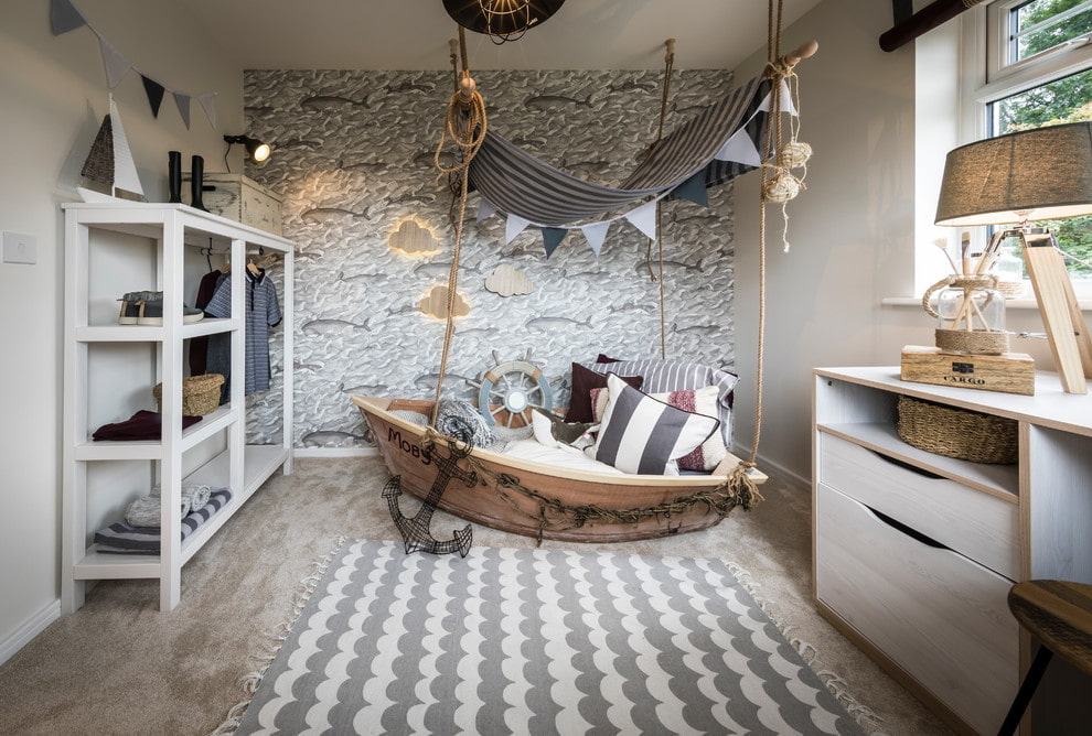 Выбор кровати для детской спальни в морском стиле