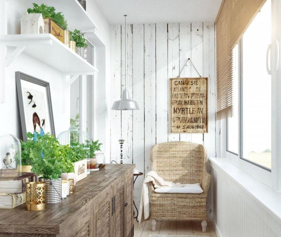 Интерьер балкона в деревенском стиле