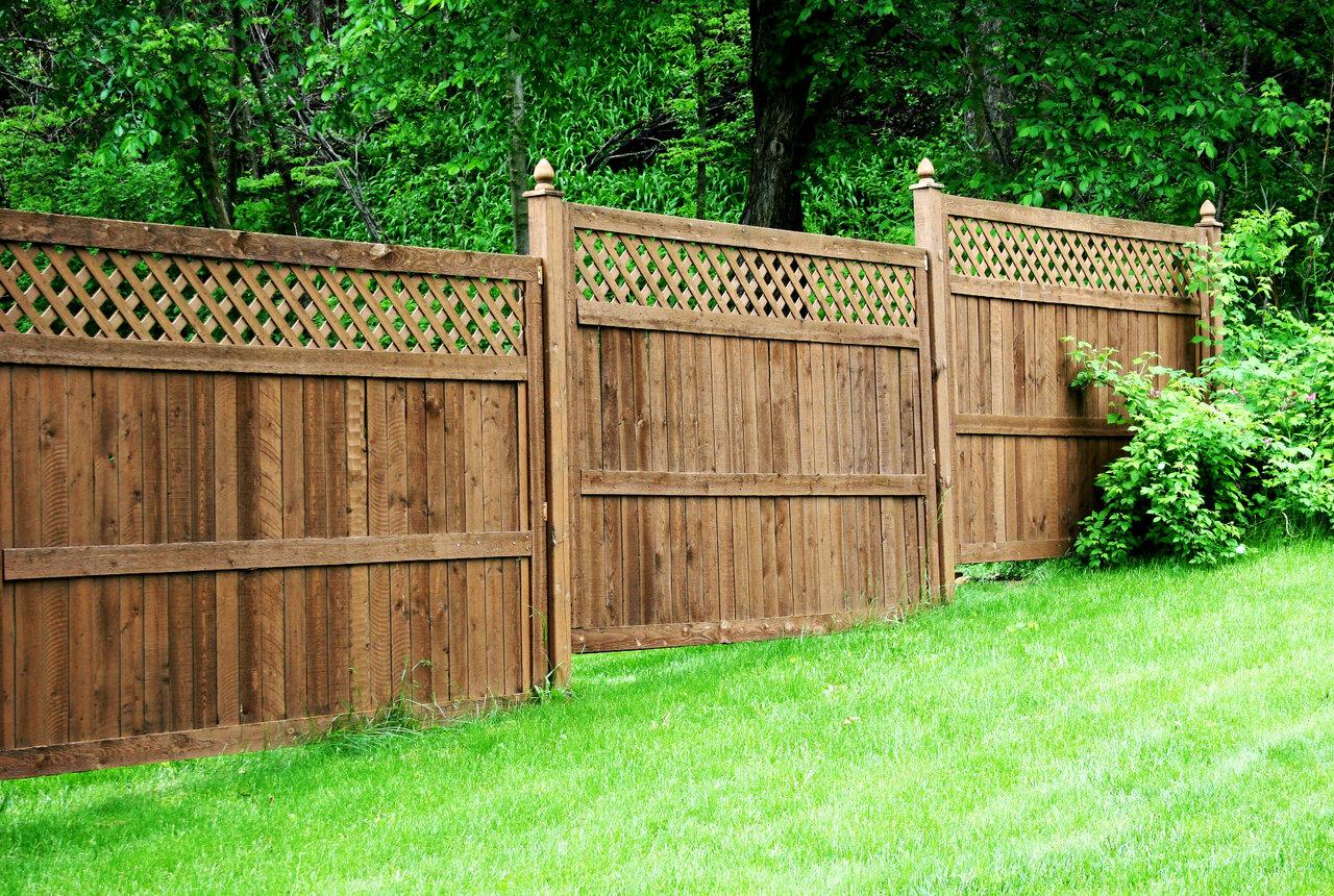 Выбираем забор на дачный участок