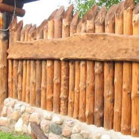 деревянная ограда в старо русском стиле