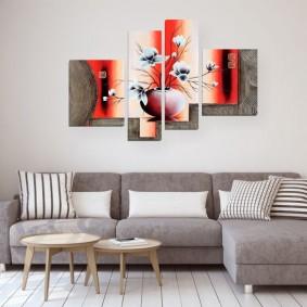 Декор модульными картинами стены в гостиной