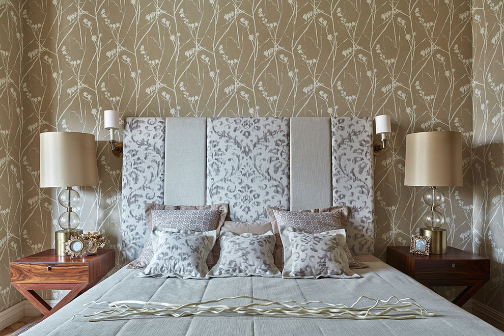 Декорирование кровати мягким изголовьем
