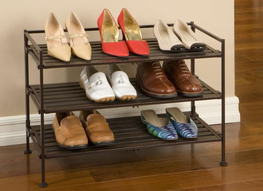 Открытая обувница с решетчатыми полками