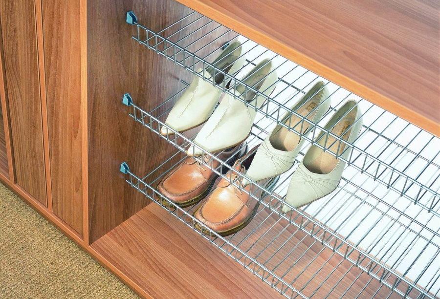 Сетчатые полки для хранения обуви в шкафу