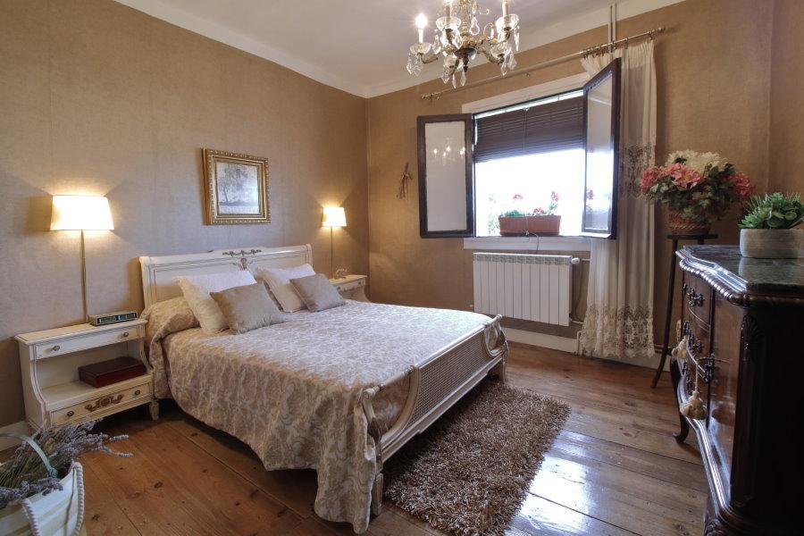 Расстановка мебели в спальне квадратной формы